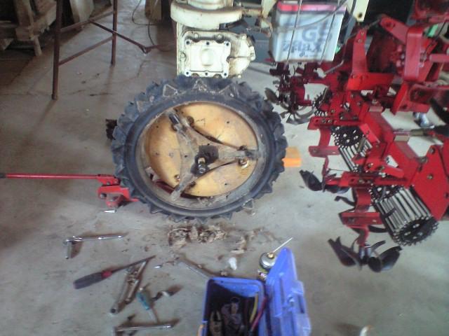 除草機械修理